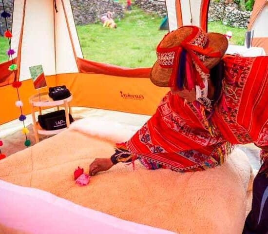 chairs-tents-luxury-camping