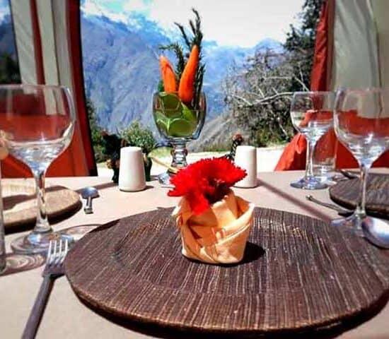 luxurious-dinner-inca-trail tours