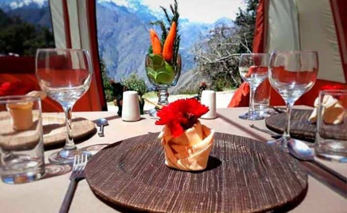 luxurious-dinner-inca-trail tours