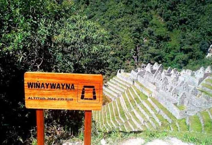 winaywayna-sign-ruins-inca-trail