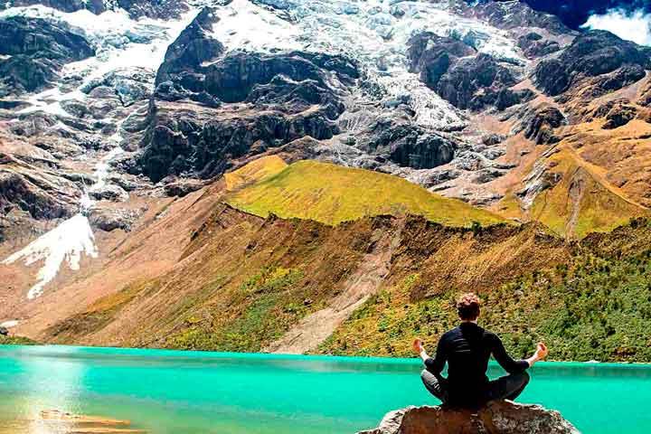 yoga-humantay-lake-cusco-peru